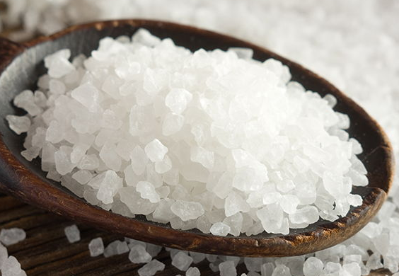cristales salados de sal marina